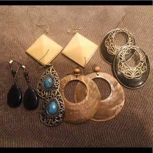 Jewelry - Earring lot!
